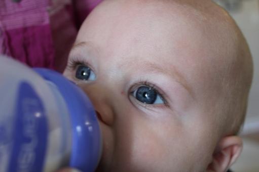 Bottle-Feeding-Basics-Bottle-DC-Motherhood-Blog